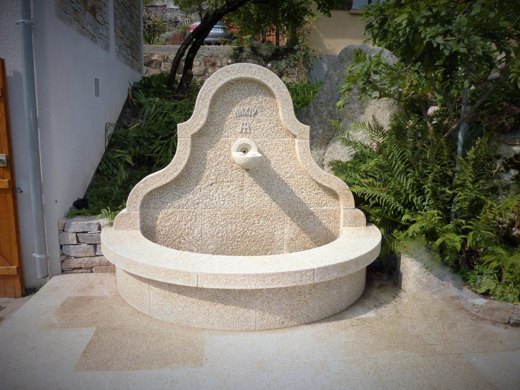 Fuentes de piedra para jardin fuente rstica piln piedra - Fuentes de piedra natural ...