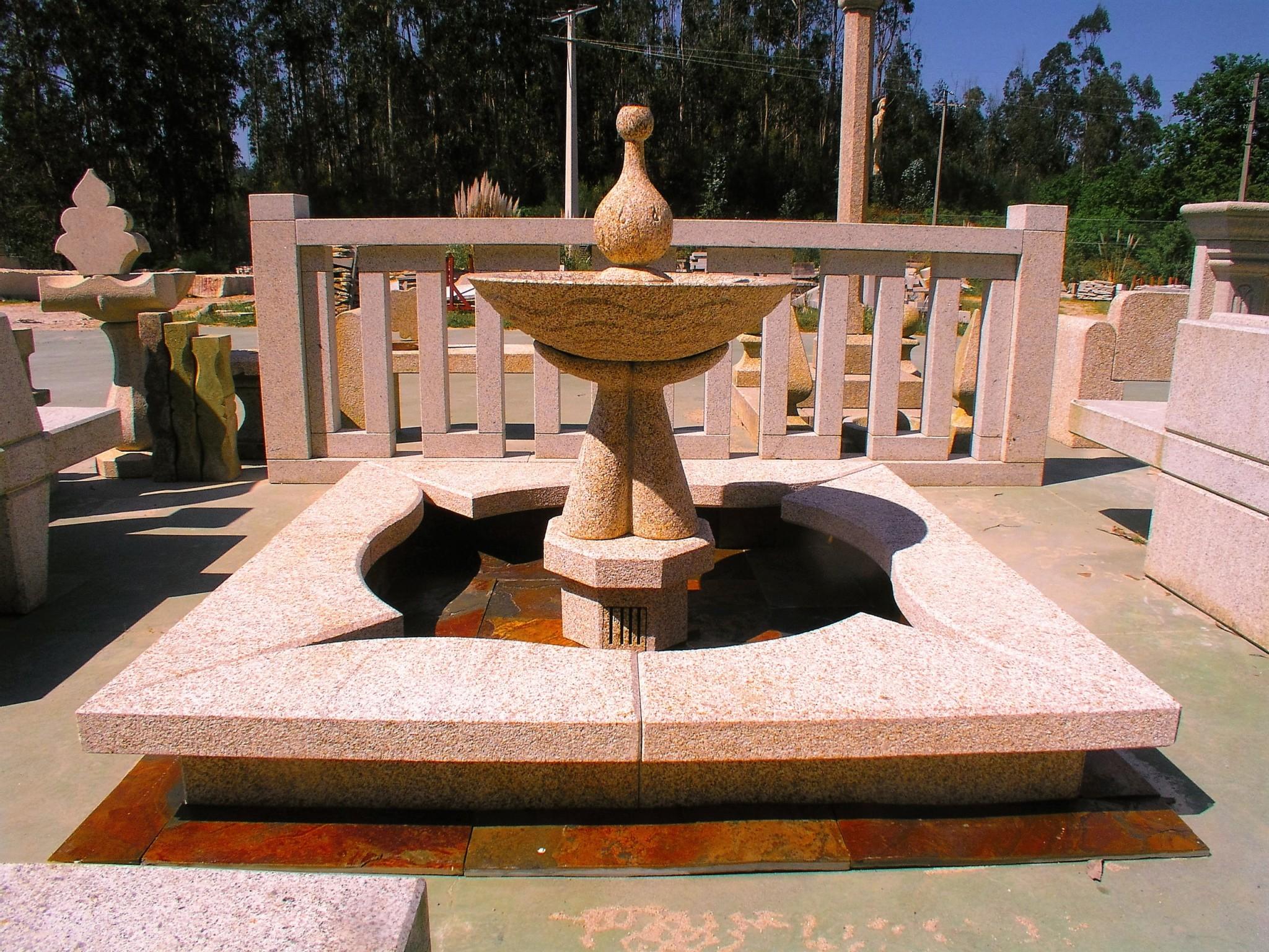 Fuente de piedra para jardin cool fuente creando una - Fuentes de piedra natural ...