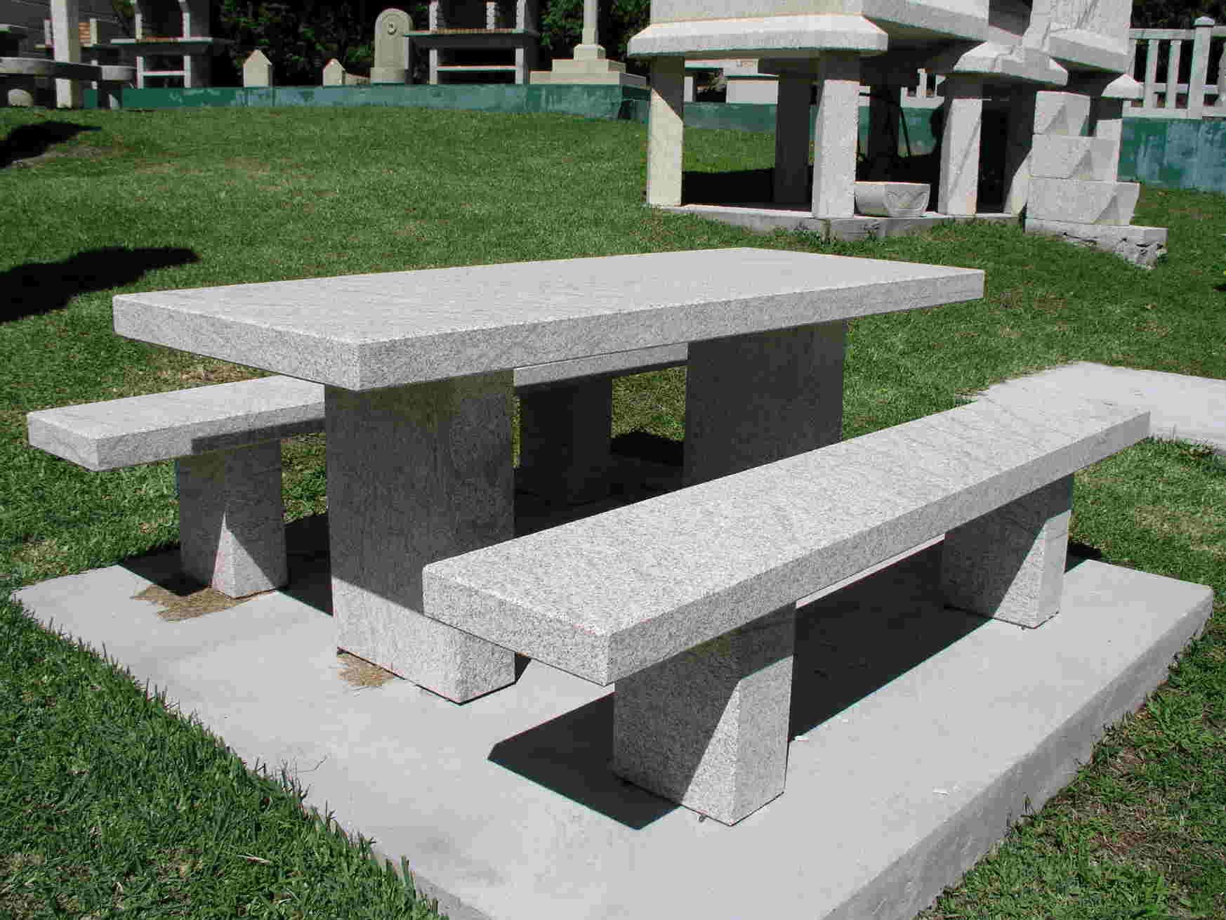 en nuestro taller le ofrecemos obras en piedra nicas e chimeneas de piedra pozos para jardn fuentes de piedra rsticas mesas de piedra