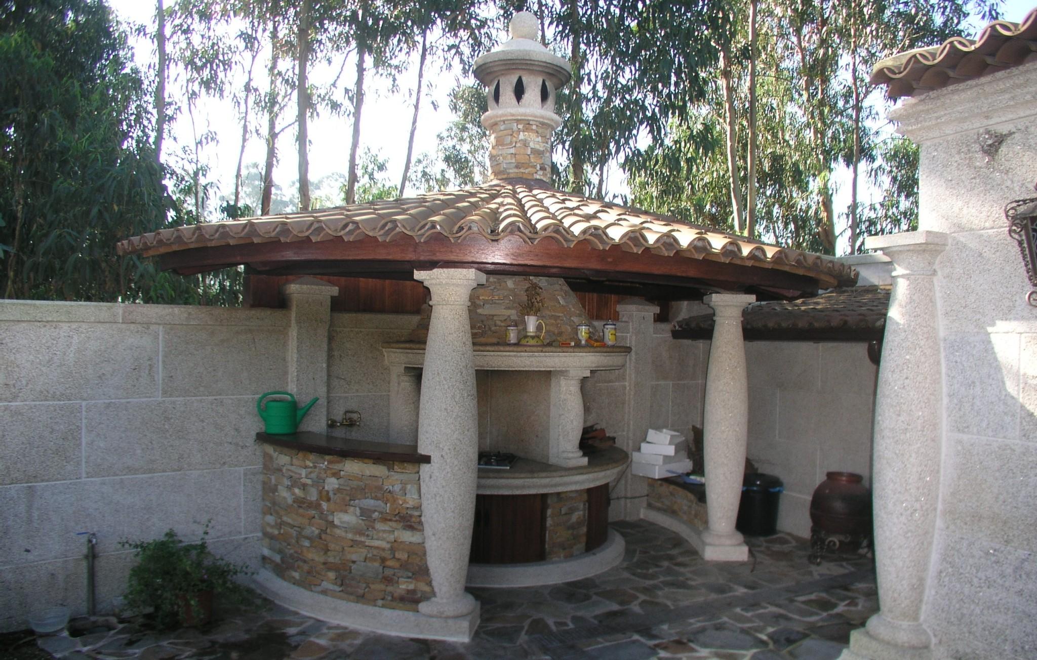 Fuentes para jard n de piedra pozos de fuego mesas for Mesa de jardin de piedra