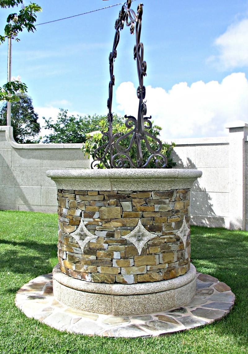 Pozos de piedra para jard n y fuentes antonio rosales for Piedra gris para jardin